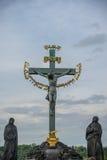 Sculpture en Jesus Christ sur le crucifix croisé Photographie stock libre de droits