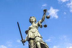 Sculpture en Justitia (Madame Justice) Photos stock