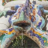 Sculpture en lézard dans le guell de parc de Barcelone Images libres de droits