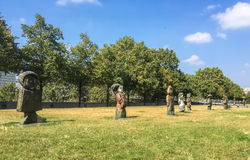 Sculpture en Les enfants du monde en Parc de Bercy Photographie stock libre de droits
