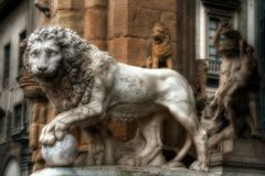 Sculpture en lion Photographie stock libre de droits