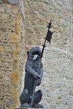 Sculpture en lion avec sa langue traînant Photographie stock libre de droits