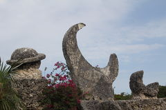 Sculpture en lune de Coral Castle Saturne Photos stock
