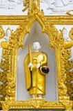 Sculpture en moine dans le flam thaï d'art de type Image stock