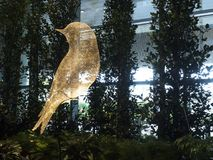 Sculpture en oiseau à l'aéroport international de Changi, terminal 4 Photos libres de droits
