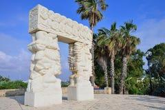Sculpture en pierre en foi sur le point le plus élevé de vieux Yafo sur le St photos stock
