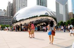 Sculpture en porte de nuage de Chicago, l'haricot au stationnement de millénaire Image libre de droits