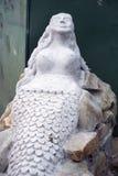 Sculpture en sirène sur le chemin atlantique sauvage Images libres de droits