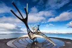 Sculpture en The Sun Voyager Solfar par Jon Gunnar Arnason sur Image libre de droits