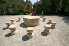 Sculpture en table-roche de silence par Brancusi Photo stock