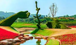 Sculpture en usine - main Photo libre de droits