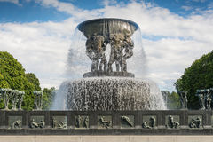 Sculpture en Vigeland en parc de Frogner à Oslo Image libre de droits