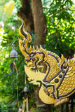 Sculpture formée par Naga du nord traditionnel en style de la Thaïlande Image libre de droits