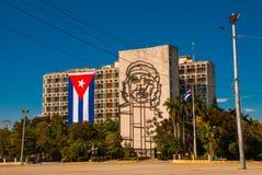 Sculpture géante de Che Guevara sur la façade du Ministère de l'Intérieur chez Plaza de la Revolucion Place de révolution dans le Image stock