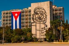 Sculpture géante de Che Guevara sur la façade du Ministère de l'Intérieur chez Plaza de la Revolucion Place de révolution dans le Photos libres de droits
