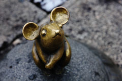 Sculpture Golden Mouse Stock Images