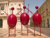Sculpture humaine abstraite rouge à Lisbonne, Portuga   Photos stock