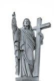 Sculpture majestueuse en Jesus Christ au-dessus de peu de village français Image stock