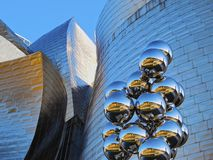 Sculpture next to The Guggenheim Museum Bilbao Royalty Free Stock Photography