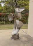 Sculpture par George Tobolowsky en dehors du Musée d'Art biblique à Dallas, le Texas photo stock