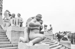 Sculpture par Gustav Vigeland en parc baptisé du nom de lui à Oslo Norvège Photos stock