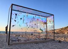 Sculpture par l'objet exposé de mer à l'Australie de Bondi Images stock