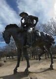 Sculpture pionnière en patron de traînée de plaza Image stock