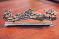 Sculpture sur bois image stock
