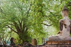 Sculpture traditionnelle de la Thaïlande Bouddha à Ayutthaya Photographie stock libre de droits