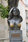 Sculpture tribute to Dalida in Paris, France. PARIS, FRANCE - OCTOBER 19: Sculpture tribute to Dalida in Paris, France on October 19, 2013. Yolanda Cristina Royalty Free Stock Photos