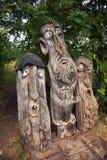 Sculpture trois en bois fabuleuse images stock