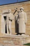Sculpture turque en hommes située à l'entrée de la route de Lio Photos libres de droits