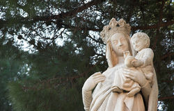 Sculpture of Virgin Mary and Jesus - white rock Stock Images
