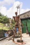 Sculptures à vendre dans le petit village de Pott Shrigley, Cheshire, Angleterre Image stock