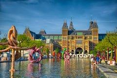 Sculptures dans l'eau près du musée de Rijksmuseum Amsterdam en Hollande Images stock