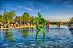 Sculptures dans l'eau près du musée de Rijksmuseum Amsterdam en Hollande Photos stock