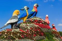 Sculptures des perroquets d'oiseaux Photographie stock libre de droits