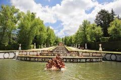 sculptures en fontaines de cascade Photo stock