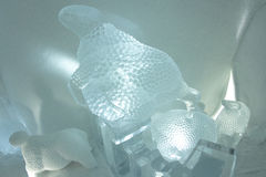Sculptures en glace dans l'icehotel Photos stock