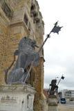 Sculptures en lion avec des langues traînant Photos libres de droits