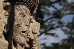 Sculptures en stationnement archéologique dans des ruinas de Copan images stock