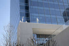 Sculptures et gratte-ciel à Dallas du centre photos libres de droits