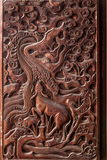 Sculptures exquises en Fushun, Sichuan sur le comté de Fushun de portes de grand hall de temple Photo libre de droits