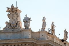 Sculptures on the facade of Vatican city works Stock Photography