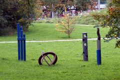 Sculptures originales en parc de Schloss Arenberg à Salzbourg images libres de droits