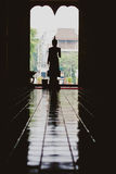 Sculptures traditionnelles de la Thaïlande Bouddha, Buddhas dans le temple Image libre de droits