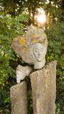 Sculpure en pierre de femme en plein air Photo stock