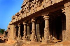 Sculpures principaux de hall dans des rathas du mahabalipuram- cinq photographie stock libre de droits