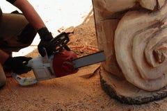 Scultore di legno fotografia stock