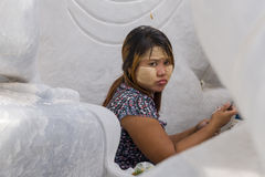Scultore nel Myanmar fotografia stock libera da diritti